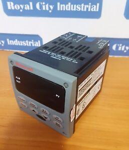 HONEYWELL UDC2500 CONTROLLER - DC2501-E0-3L0R<wbr/>-200-10000-E0-<wbr/>0