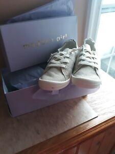 Madden Girl Baailey Tan Sneaker Size 8