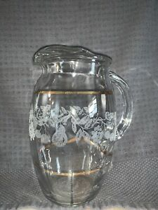 Vintage-MCM-Glass-Pitcher-Frosted-Leaf-Design-with-Gold-Trim