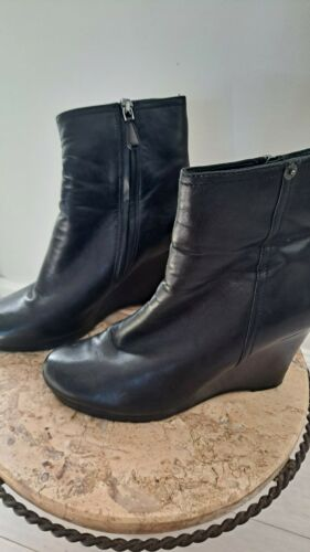 Prada leather ankle boots 38