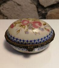 """Boîte à Bonbons, style de Sèvres XIXe en porcelaine estampillé """"PORCELAIN ART"""""""