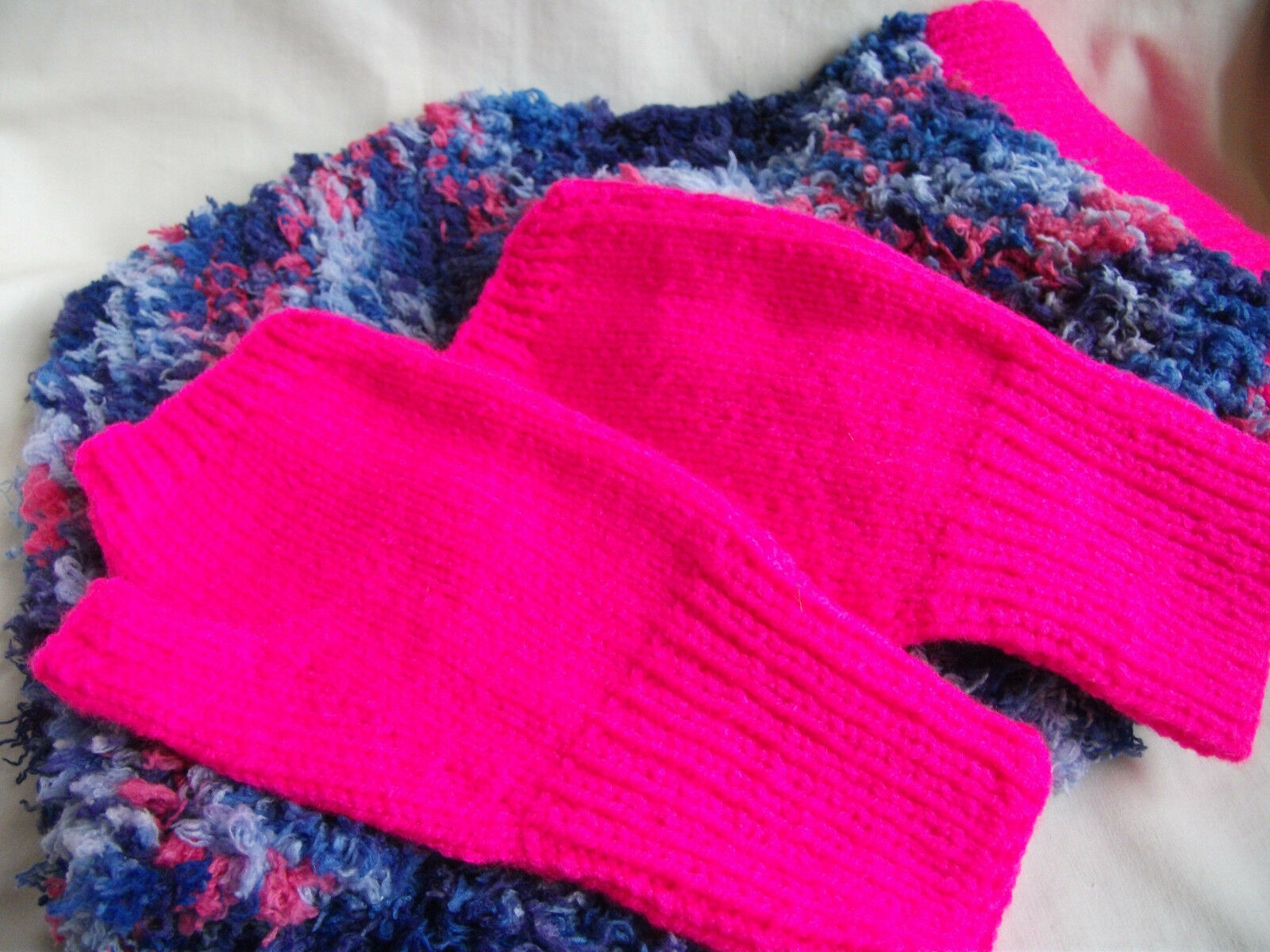 Hand-knitted Scarf and Fingerless Gloves – Ref 1288