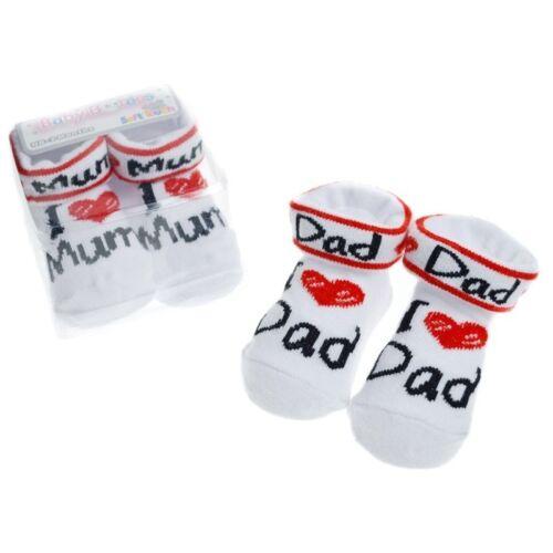 Baby Erstausstattung Set Babysocken I love Mum//I love Dad  Geschenkset  0-3 Mon
