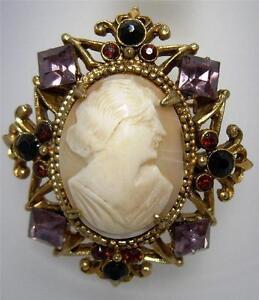 Vintage Designer Unsigned Florenza Genuine Cameo Clip On Earrings