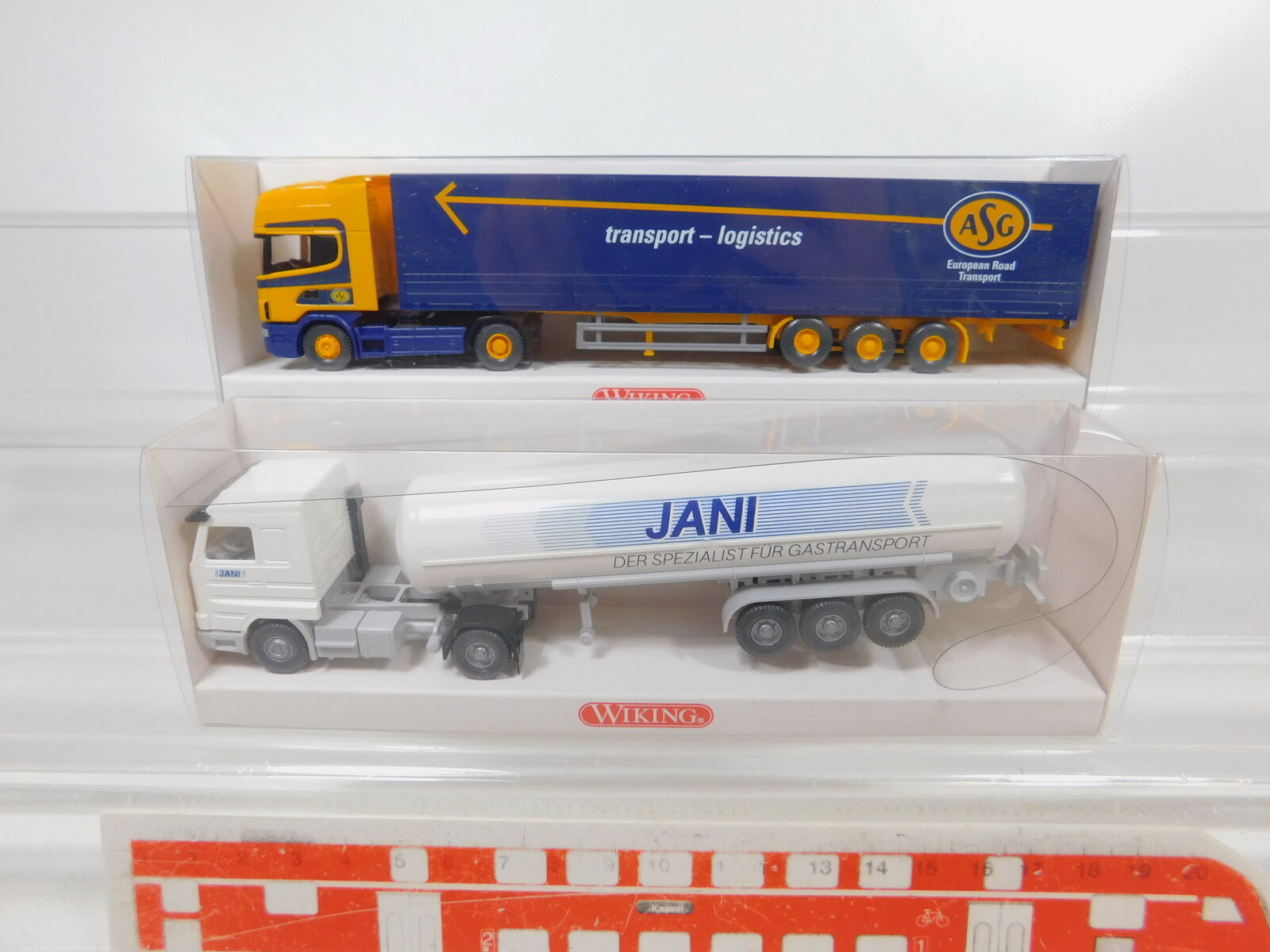 CA243-0,5 x Wiking 1 87 H0 Camion Scania  786 01 32 Jani + 510 05 39 Asg ,S.G