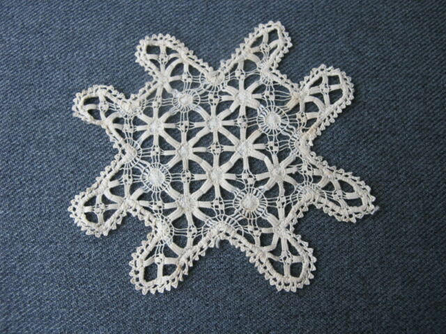 Antique detailed work filet lace flower applique  14f #5