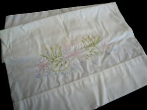 Vintage-Off-White-Cotton-Pillowcase-Sham-Embroidered-Flowers-Vintage-Linens