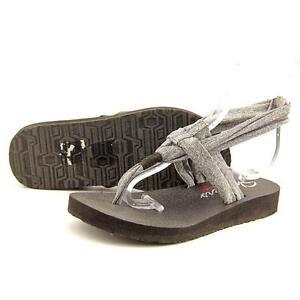bfe12918ab3 Skechers Meditation Women US 6 Gray Thong Sandal Pre Owned 1707
