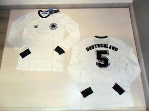 The Glove Bag on | Retro football shirts, Football uniforms