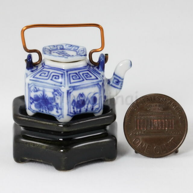 Dollhouse Miniature Chinese Traditional Ceramic Porcelain Tea Pot w Stand #3
