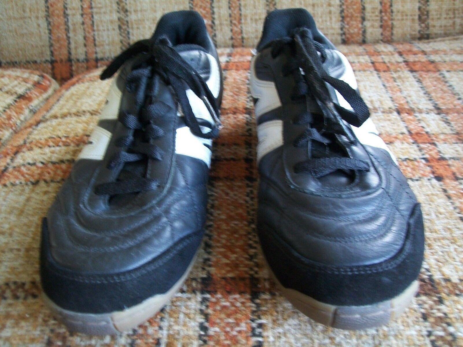 Mitre Hombre Talla 9 (EUR 42.5) Madero negro WH Calzado de Fútbol Indoor MS4068