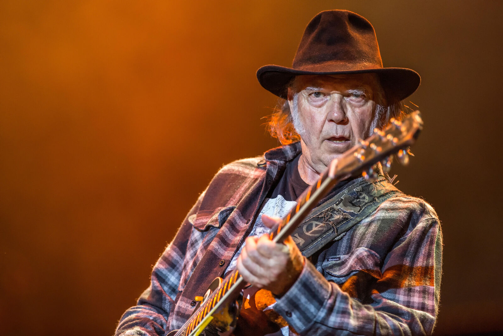 Neil young tour dates in Brisbane
