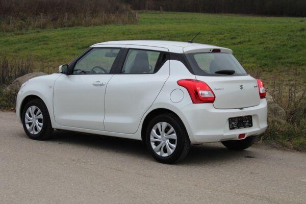 Suzuki Swift 1,2 Dualjet Club - billede 2