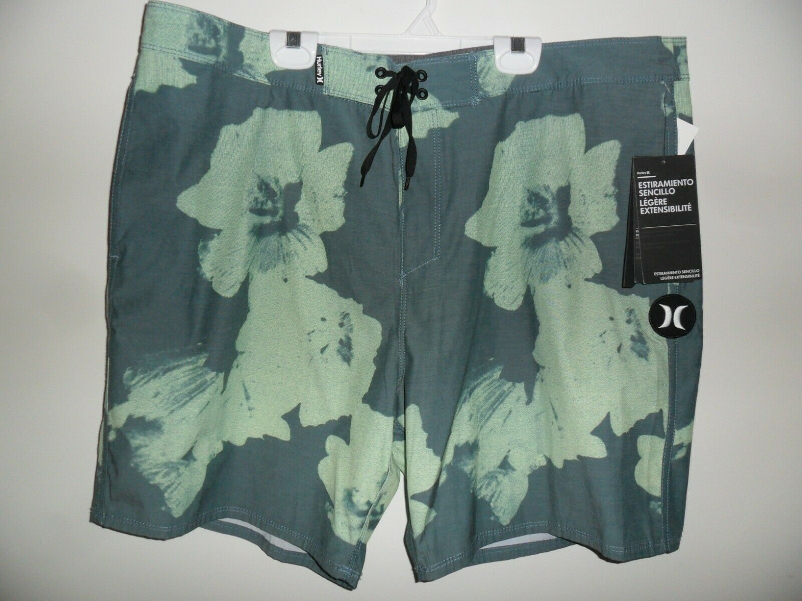 Hurley Men's Board Shorts BEACHSIDE SWARMS - 3JM - Size 38 - NWT