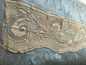 Beautiful-Vintage-Handmade-Filet-Lace-Table-Runner
