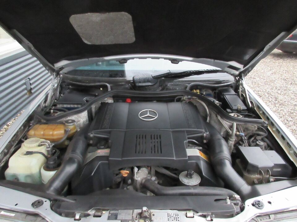Mercedes 500 E 5,0 Benzin modelår 1991 km 309000 Sølvmetal