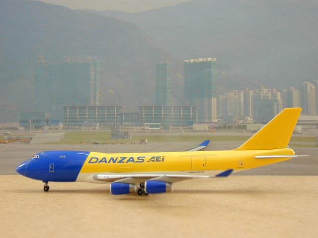 Danzas AEI B747-400F, Fantasy Livery  Corporate Model, Dragon Wing, 1 400