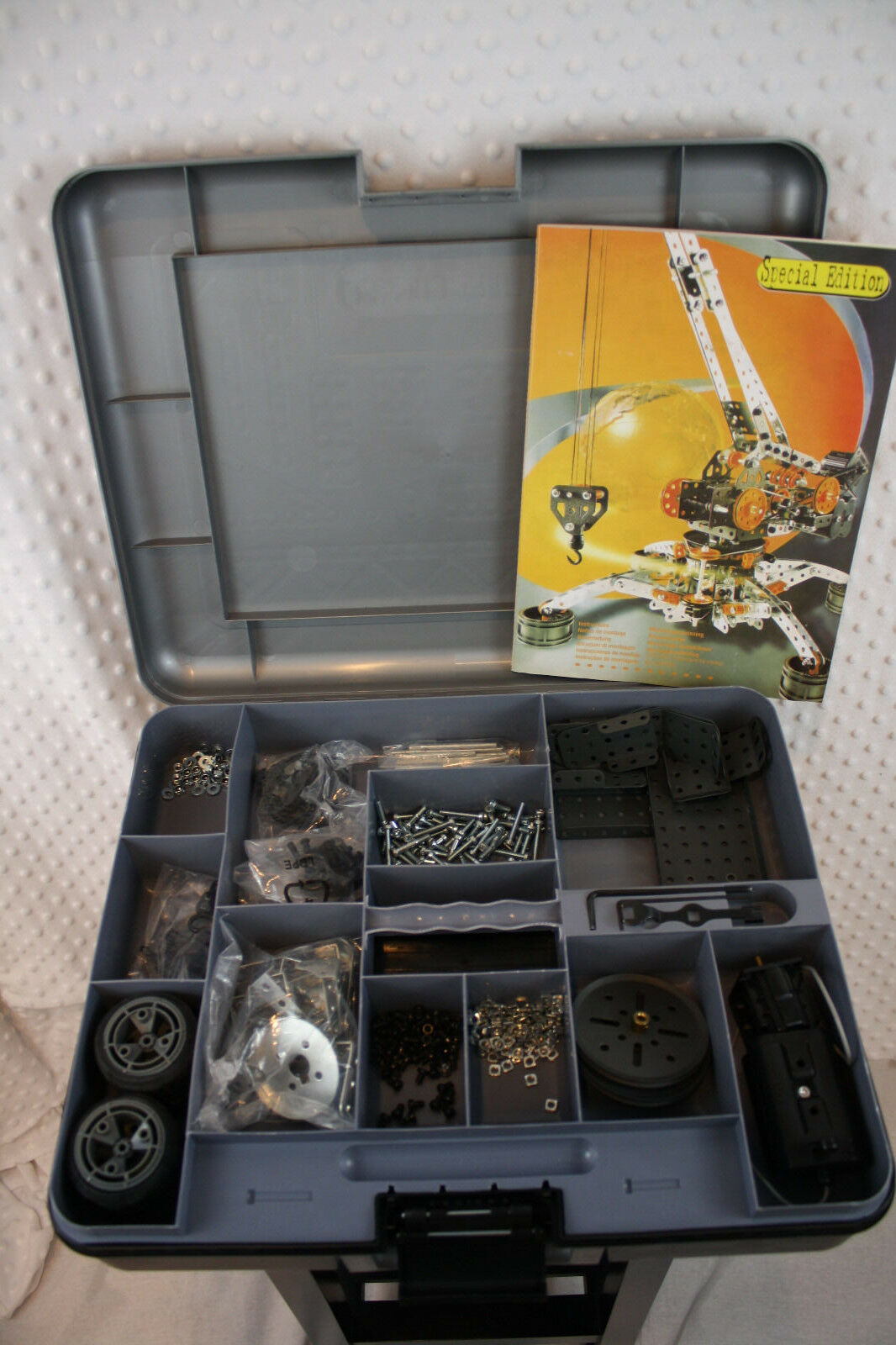 Erector Set Meccano 7080 Special Edition Crane w  Motor in Case