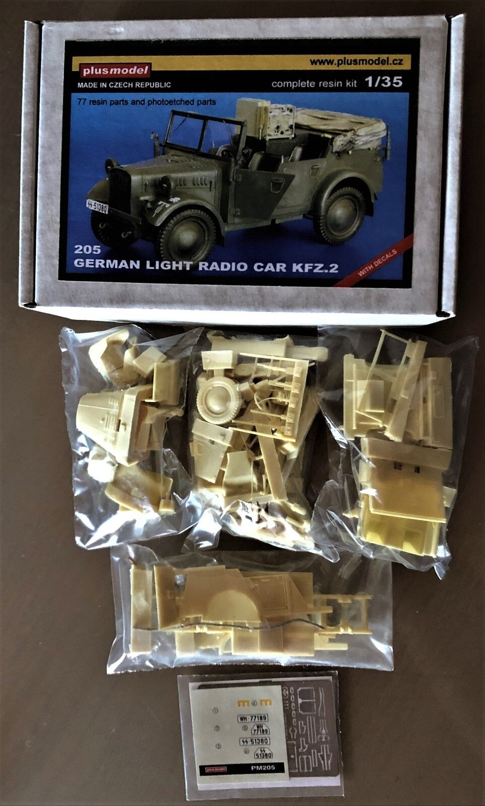 Plusmodel Plus Model 205-German Light Radio Car kfz.2 - 1 35 Resin Kit