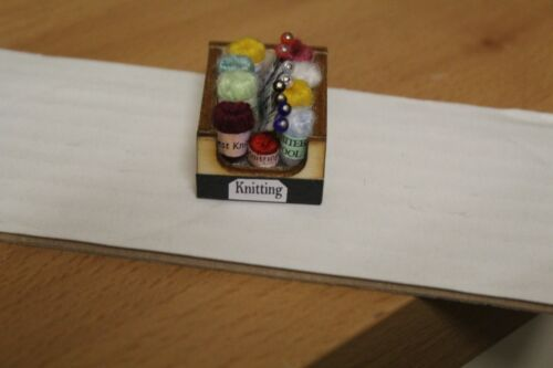 Haberdashery Boîte = knitting Maison de Poupées