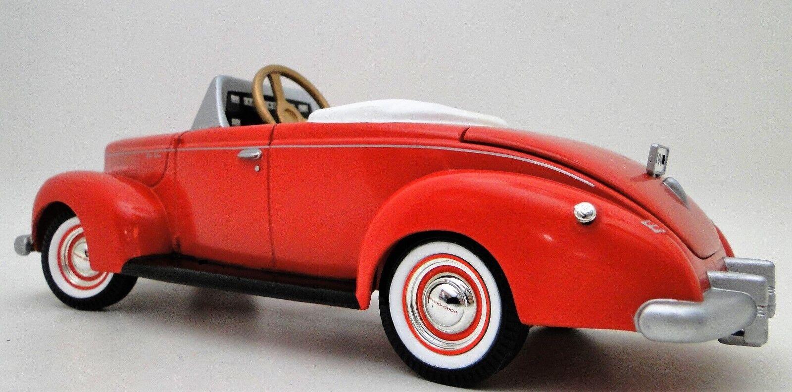 Pedal bil 1930 Ford årgång T röd Metal samlaor    PAPPA FÖR BEHÖRIG BESKRIVNING