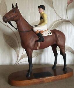 BESWICK-HORSE-RACEHORSE-ARKLE-JOCKEY-PAT-TAAFFE-UP-CONNOISSEUR-No-2084-PERFECT