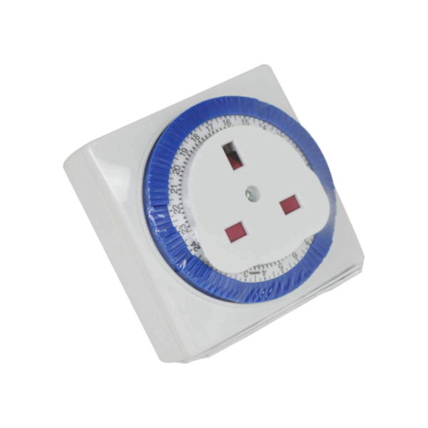 Status S24HRSQT1WS1PK4 24 Hour Timer Switch with 2 Sockets White by Status