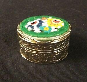 Vintage-House-of-Goebel-Italian-Micro-Mosaic-Millefiori-Pill-Box-Gold-Tone