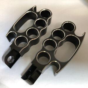 2-pack-Flying-Knuckle-Footrests-Footpegs-fits-for-Harley-XL-V-Rod-Sportster