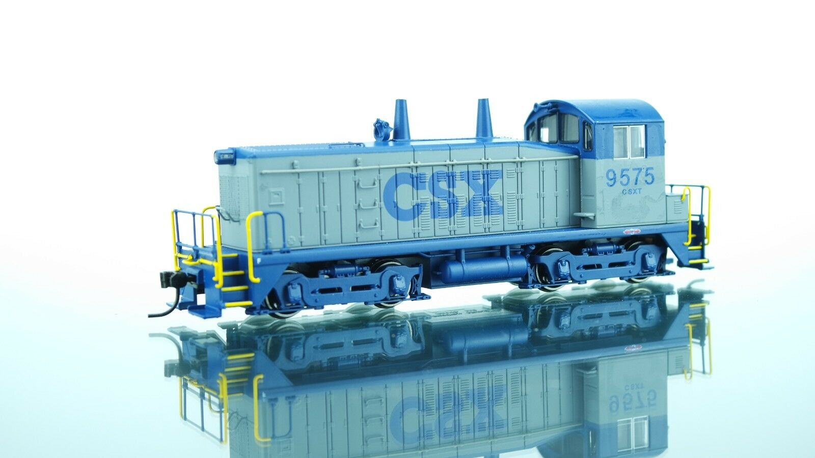 Broadway Limited EMD NW2 CSX DCC w/Sound HO scale