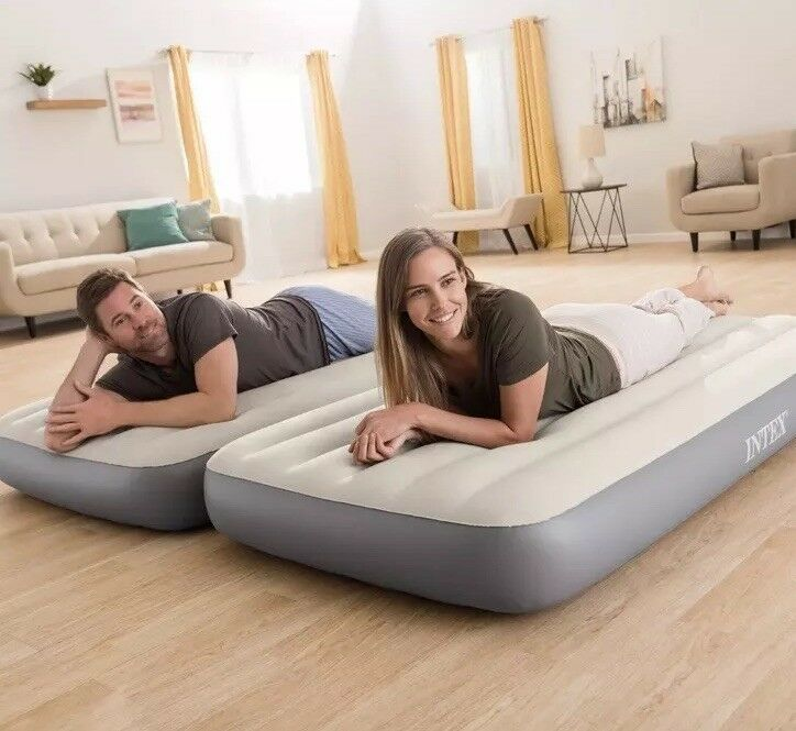 Intex 2-in-1 Twin Airbed Mattress with Battery Pump—2 TWIN Connectable Beds Nuovo