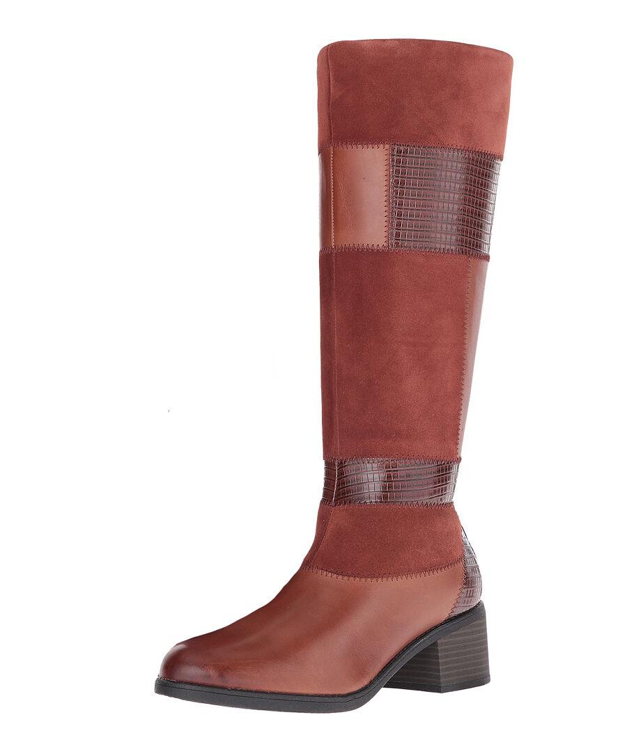New Clarks NEVELLA NOVA Leather Women Boots Size 9 (MSRP $200)