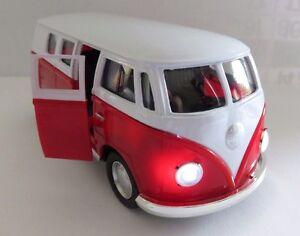 tolles modellauto vw bus t1 bulli mit licht sound und. Black Bedroom Furniture Sets. Home Design Ideas