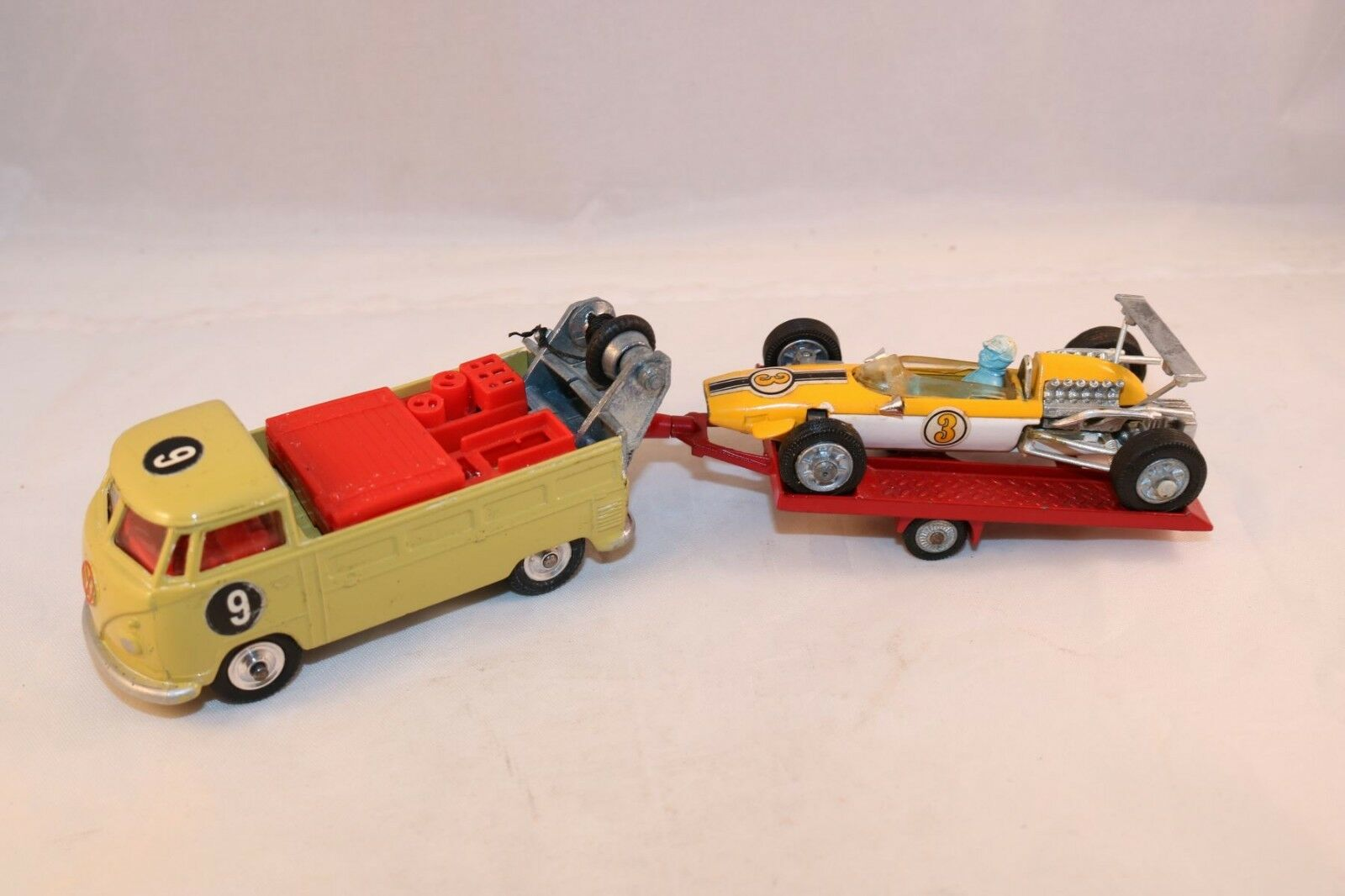 Corgi Toys Giftset 25 Volkswagen with trailer and Cooper near mint condition
