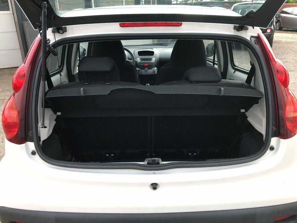 Peugeot 107 1,0 Active Benzin modelår 2013 km 194000 ABS