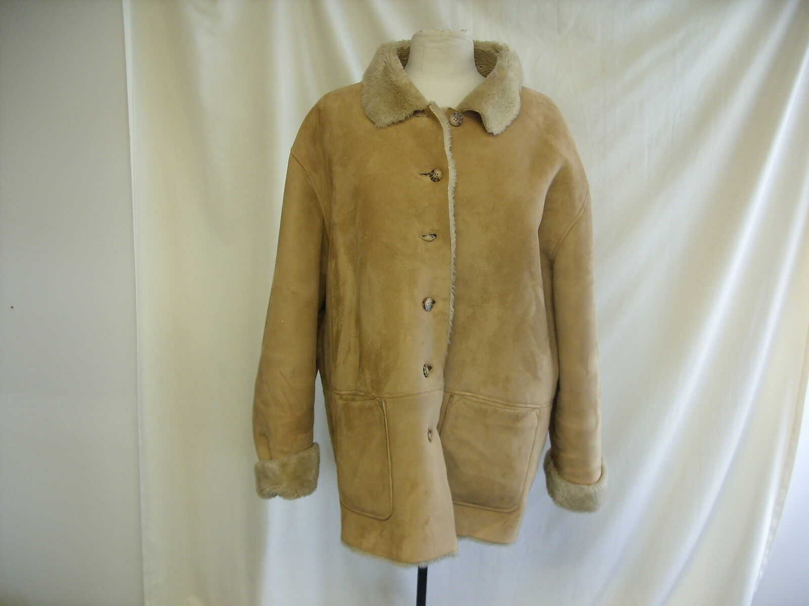 Ladies Coat -Elizabeth by Liz Claiborne, Size XL, Beige, 100% Polyester  1073