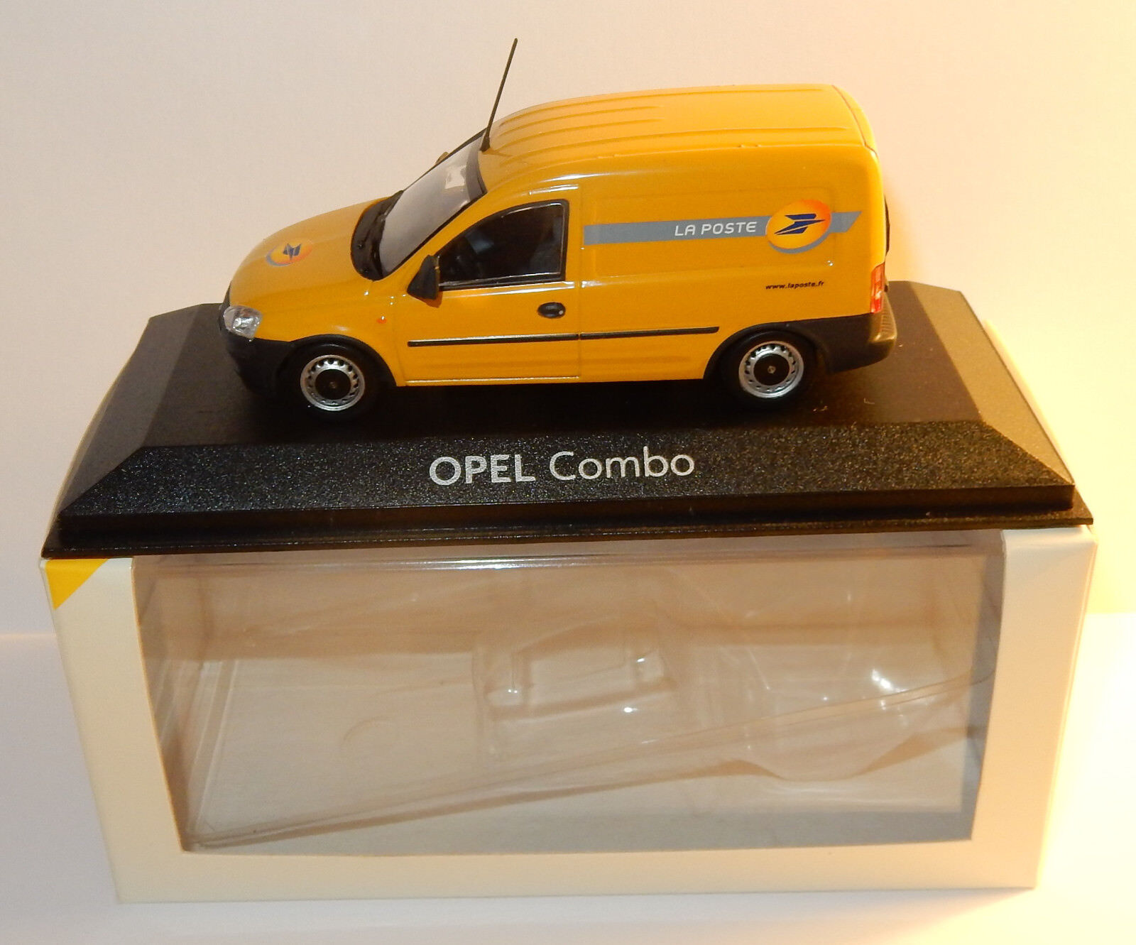 RARE NEW MINICHAMPS OPEL COMBO POSTS POSITION PTT 1 43 IN BOX