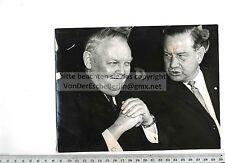 ORIGINAL PRESSEFOTO: 1963 LUDWIG ERHARD & ALFONS GOPPEL in BAYERNHALLE
