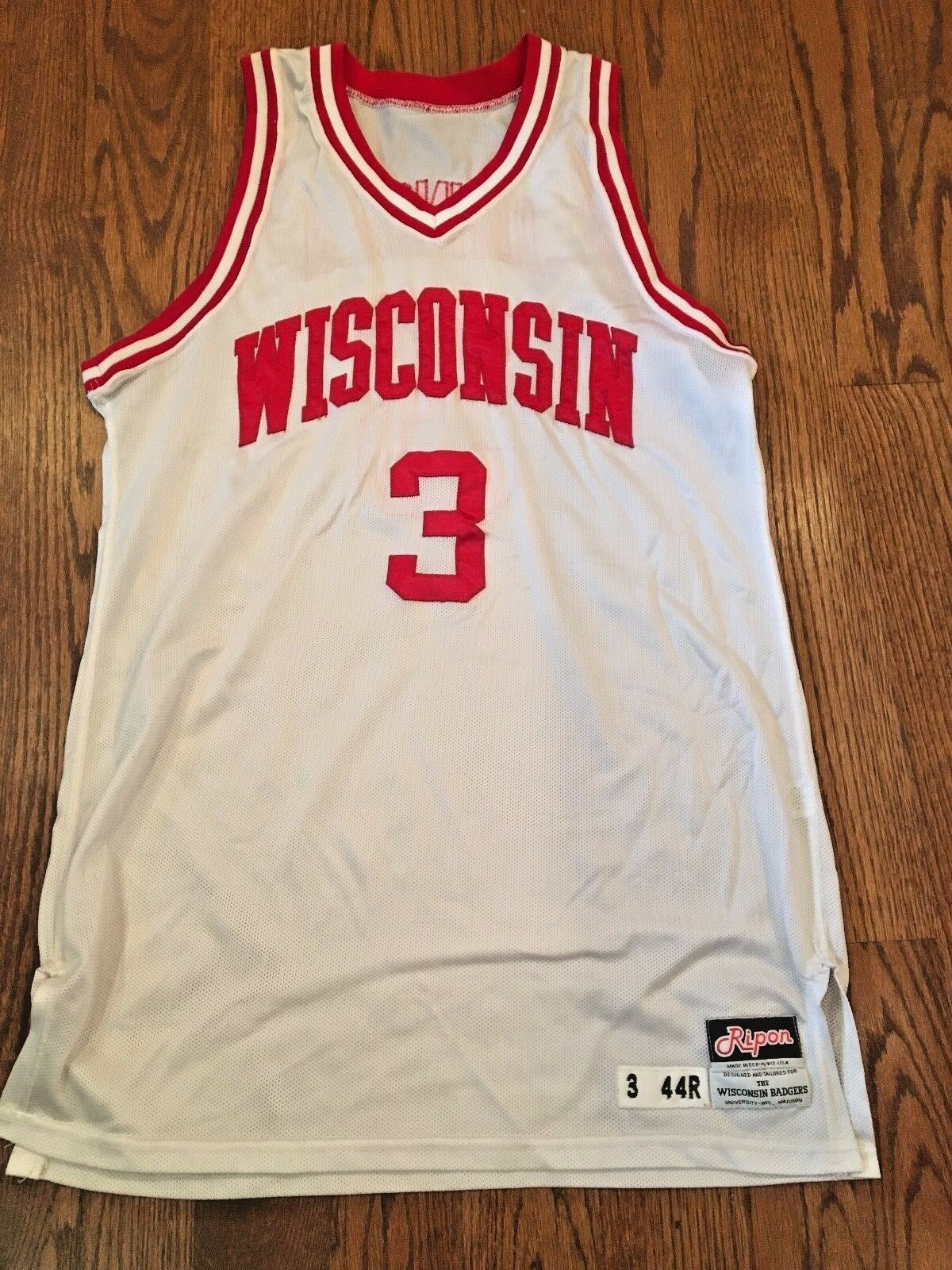 Vintage 1993 Wisconsin Match D'Occasion Maillot de Basket-Ball Worn By  3