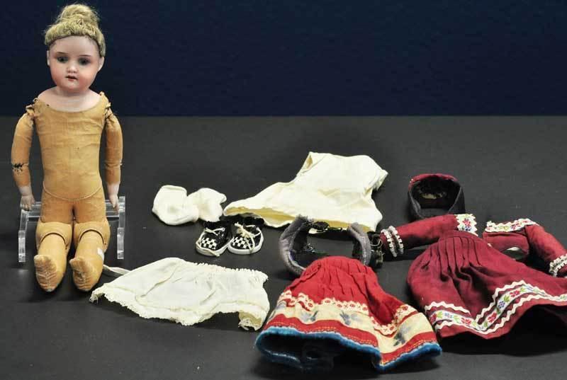 Antike Armand & Marseille 370 Porzellan Kopf Trachten Puppe A.M. 7 0.D E R