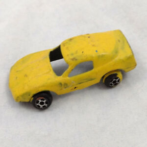 Yellow-Painted-Tootsie-Toy-Car-Metal-Die-Cast-Muscle-Car-Corvette-VTG