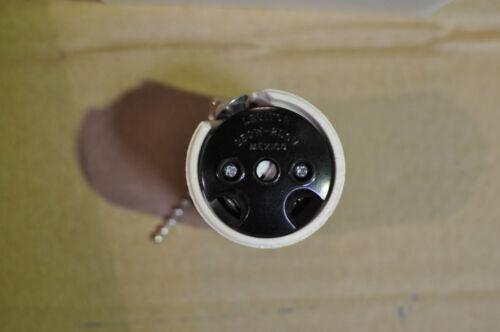 P/&S Leviton Lampholder 250W Medium Base Ring Type Pull Chain White 9814 $90 10