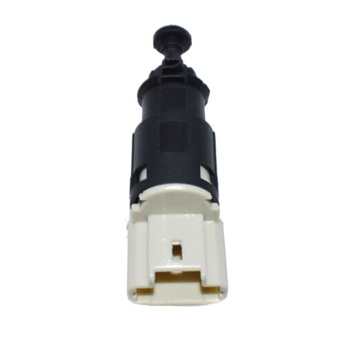 New Brake Light Switch For DACIA Logan NISSAN OPEL RENAULT VAUXHALL 8200276361