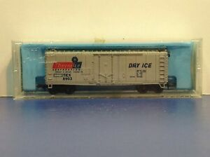 """N Scale """"Therm-Ice Corporation"""" TICX 8903 Forty Foot Freight Train Box Car"""