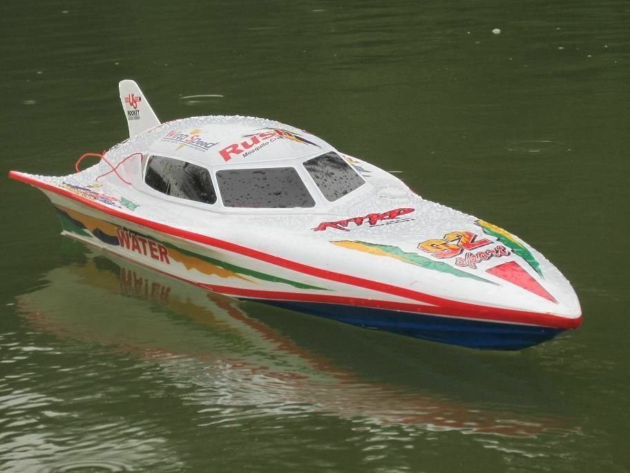 UK Remote Control Twin Motor High Speed EP Racing 28 Inch RTR Electric RC Boat