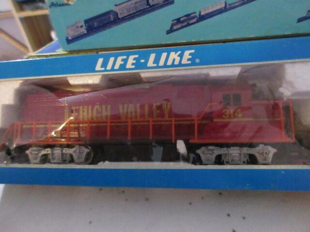 Life Like Gp 38 2 Lehigh Valley Diesel Locomotive 08284 Ho Scale