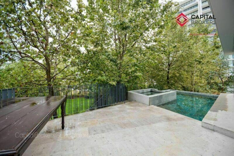 Hermosa casa de lujo nueva en Reserva Real con alberca.