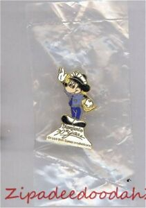 OLD-RARE-LE-Disneyland-pin-30th-Anniversary-Cast-Member-Security-Mickey-Mouse
