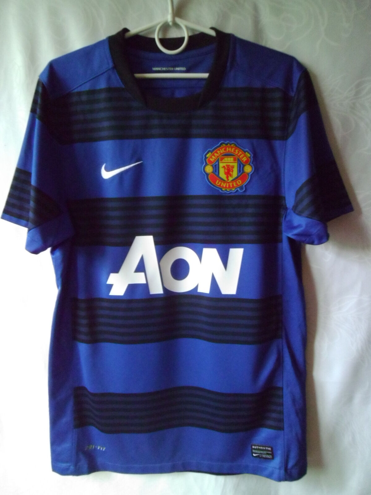 EXCELLENT     2011-13 Manchester United Away Shirt S