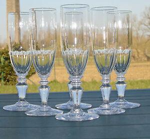 Baccarat-Service-de-6-flutes-a-champagne-cristal-taille-a-cotes-plates-XIXe